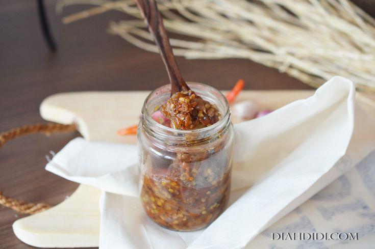 Diah Didi's Kitchen: Sambal Bawang Ebi