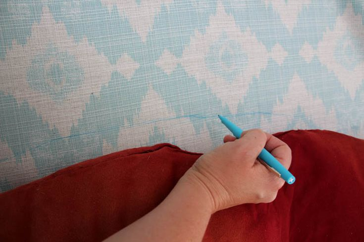 How to recover a Papasan Chair cushion - DIY Papasan Chair Cover tutorial at thehappyhousie.com-3