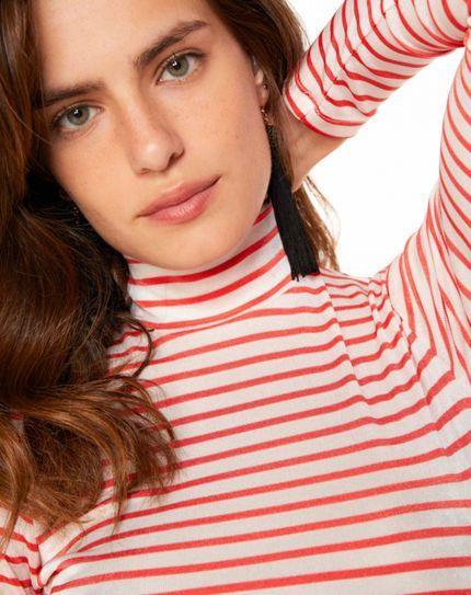 0e5a8c1b5 Blusa AMARO Gola Alta Listrada Vermelho em 2019 | DAFITI | Pinterest