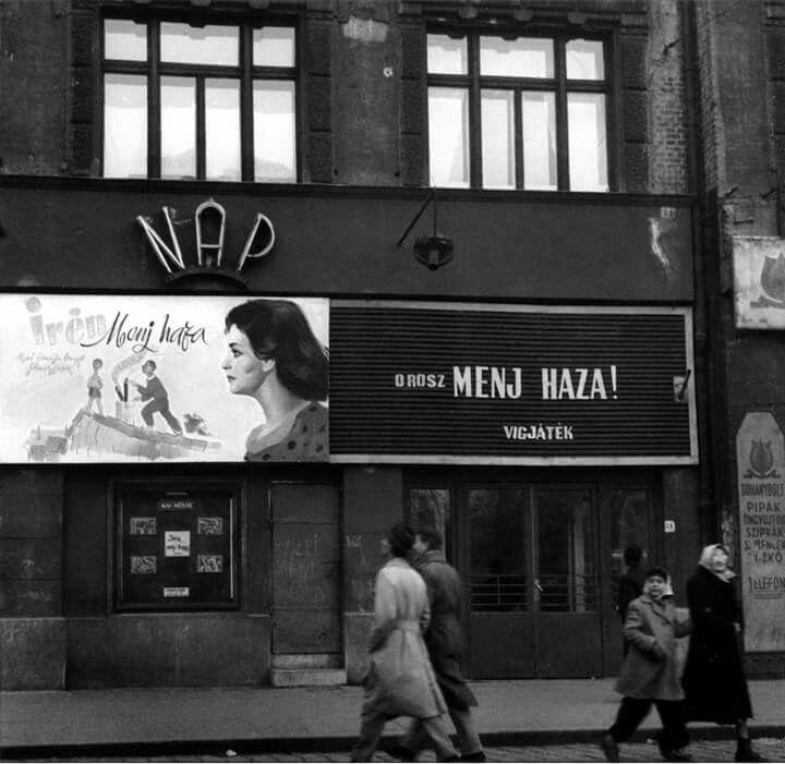 1956. A Nap mozi átírt felirata.