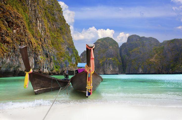 Veneet rannassa May Bay Phi Phi -saarella. #Phiphi #MayaBay #Krabi #Thaimaa #Thailand