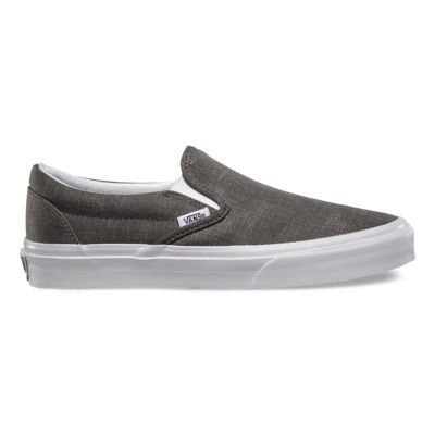 The Washed Canvas Classic Slip-on has a low profile, slip-on washed canvas upper with elastic side accents, Vans flag label and Vans original Waffle Outsole.