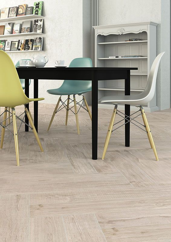 Living_Herberia_Natural Wood floortile Almond 15x90. Soggiorno_Herberia_Natural Wood pavimento Almond 15x90.