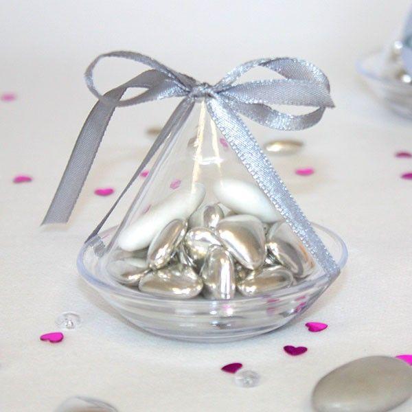Offrez ce tajine à dragées à vos invités lors de votre mariage oriental ou pour célébrer le baptême de votre enfant., un contenant à dragées transparent qui peut contenir 30 gr de dragées.