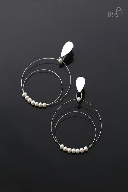 Subtelność – srebrne kolczyki sztyfty z perłami | Sztuk Kilka | Subtlety - silver earrings with pearls