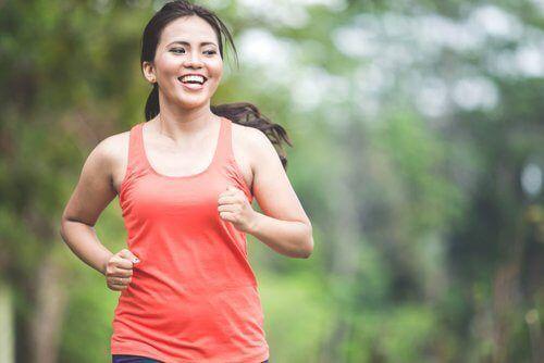 Aerobische Übungen sind ausgezeichnet, um Fett abzubauen.