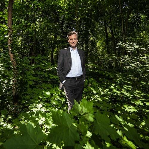 Matthijs Bierman, directeur van Triodos Bank, is een van de langstdienende groene krijtstrepen van Nederland (sinds 1996). Wat maakt hem zo'n andere bankier dan die jongens aan de Zuidas? http://www.intermediair.nl/weekblad/20130613/#7