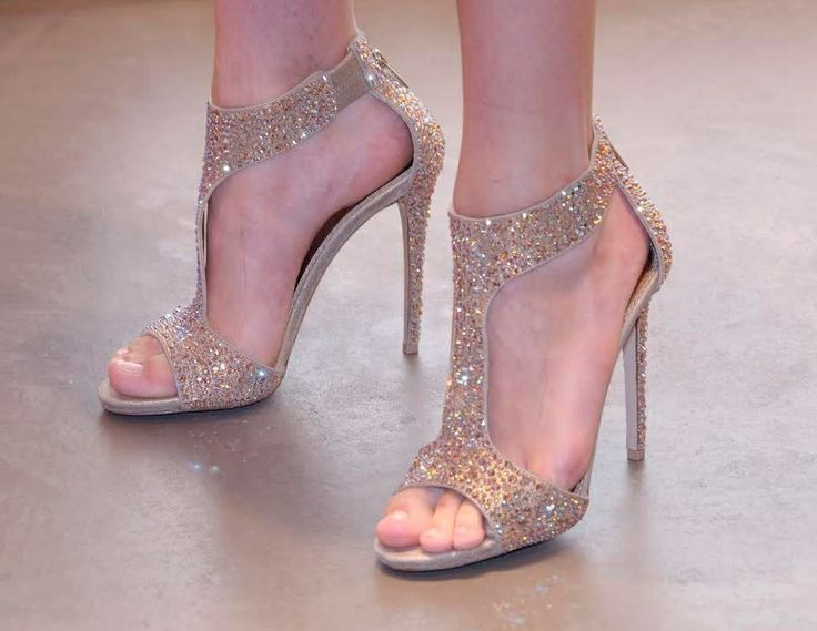 I want these shoes!! <3