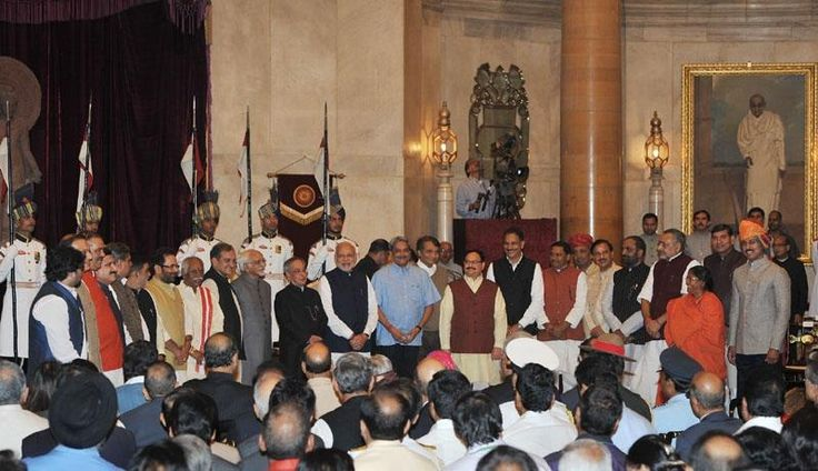 President, Vice President and Prime Minister, with newly inducted Ministers, at Rashtrapati Bhvan in New Delhi. ■ Photo: PIB