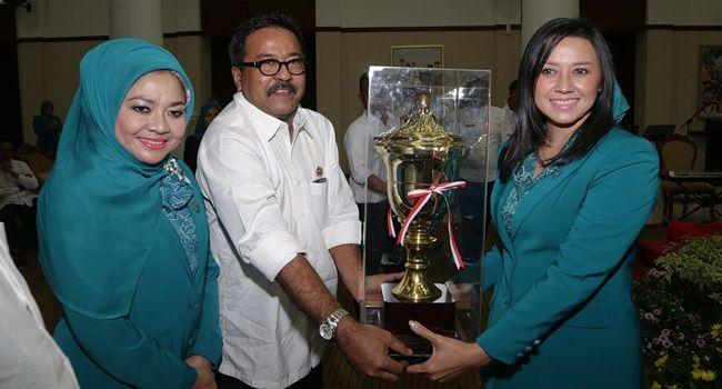 IBC, Serang -- Ketua Tim Penggerak Provinsi Banten Ibu Dewi Indriati Rano menegaskan, Hari Kesatuan Gerak (HKG) PKK merup