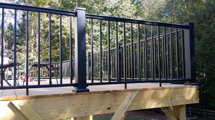 balustrade pour terrasse moderne- idées originales en fer, bois et verre