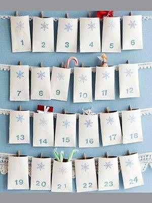 новогодний календарь обратного отсчета из картонных трубочек от туалетной бумаги