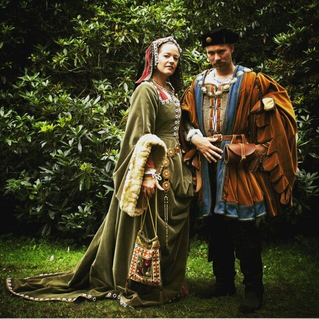 Joanna de Castille and Cesare Borgia costumes, ca. 1490 - 1510. Costumes made by Angela Mombers,  picture taken at Castlefest by Stephen Troost.