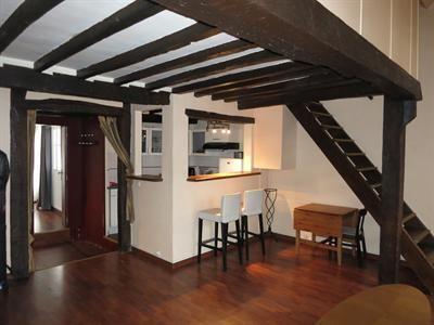 Paris 6ème Saint-Germain des Pré Trois Pièces en duplex avec terrasse 67,05m2. Prix: 695000€ FAI #Immobilier #Paris #Paris6 #Realestate #Appartement