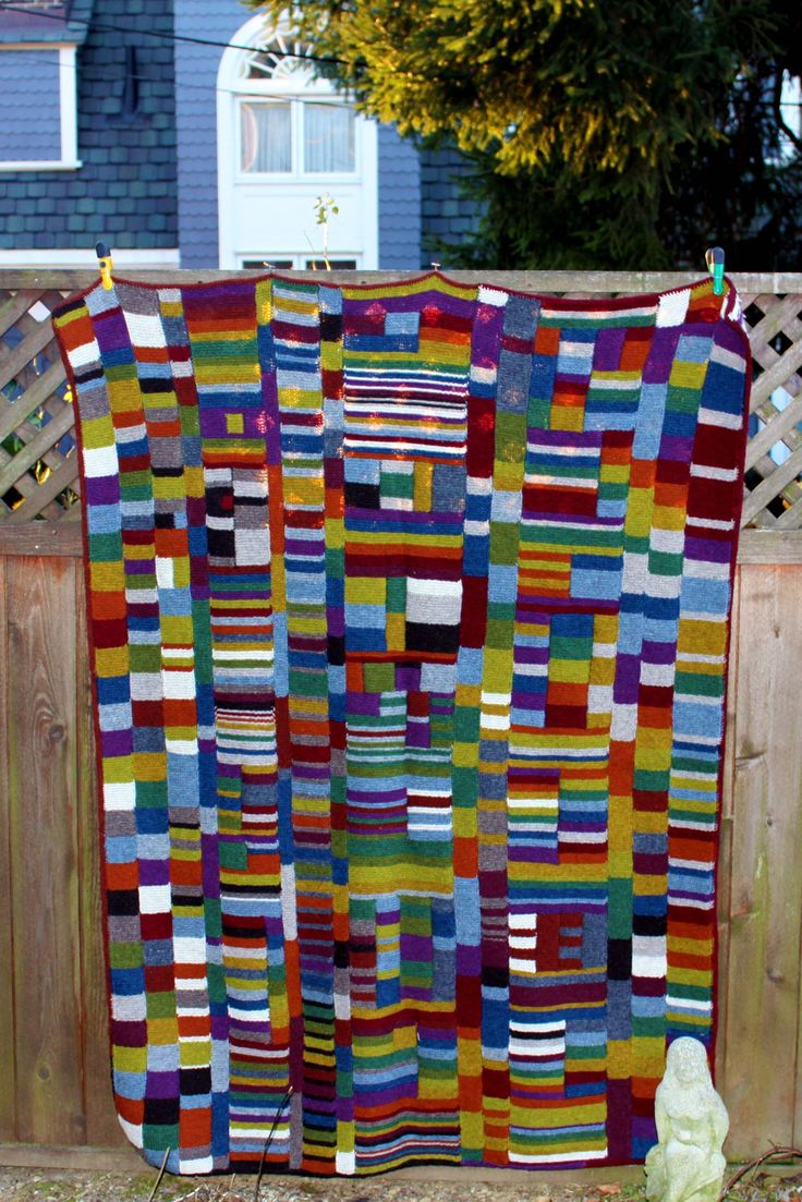 A story of Syncopation. The motivation: This is some sort of mash-up of my adventures in improv quilting and my obsession with making blankets. I finally figured out how to work with many colors at…