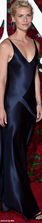 Claire Danes in Narcisco Rodriguez l The 2016 Tony Awards l Ria