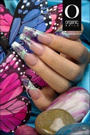 En lo personal pienso que Organic Nails son muy buenos... excelentes de hecho!!    Amo su trabajo y sus productos.. y para que veas su art...