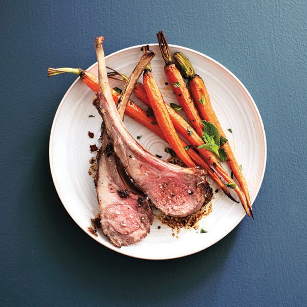 To make this one-pan lamb chops and minted carrots recipe, all you need is a few simple ingredients: Lamb, young carrots, mint, ginger and garam masala.
