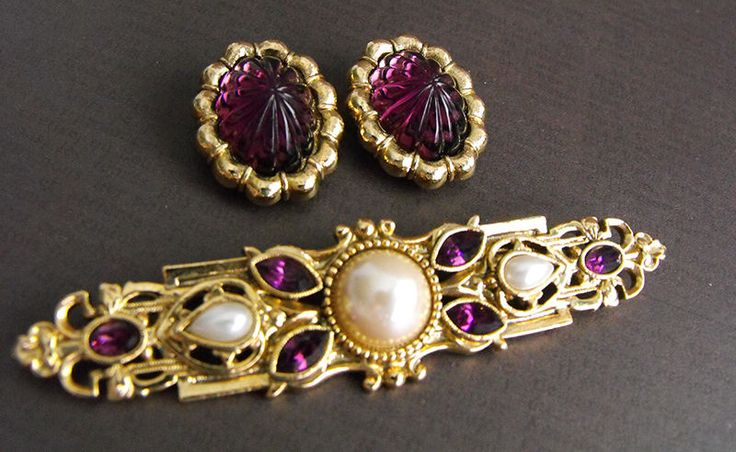 Victorian Revival Purple Rhinestone Bar Brooch Molded Glass Earrings 1928 Co #1928Co