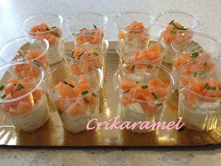 Mini verrines mousse de boursin et saumon fumé - CRIKARAMEL