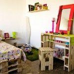 Camera da letto bambini completamente arredata con pallet 1