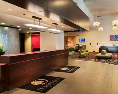 Doubletree Hotel Chicago Magnificent Mile, IL - Lobby | IL 60611