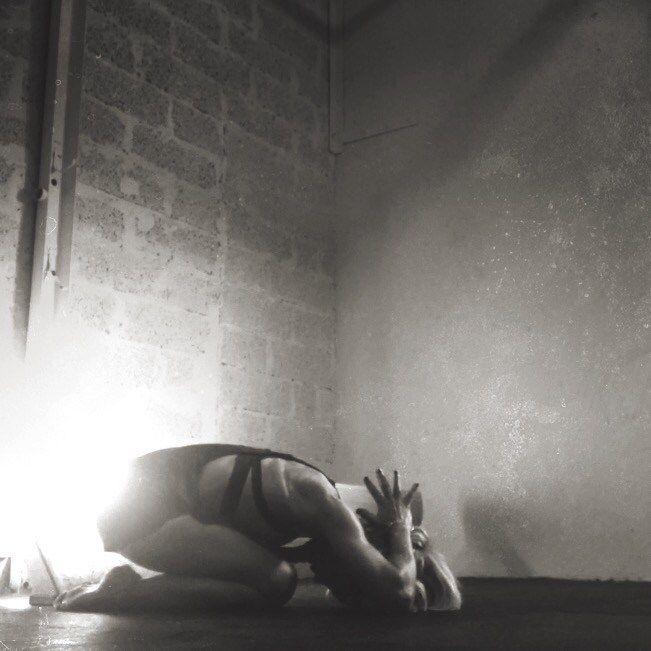 ~Your Body hears everything Your Mind says~ Yogiwod idag 17:00 crossfit fristaden Pratar ofta om hur vår vardag formar vårt träningspass. Antingen hitta motivation att träna för att få en bät…