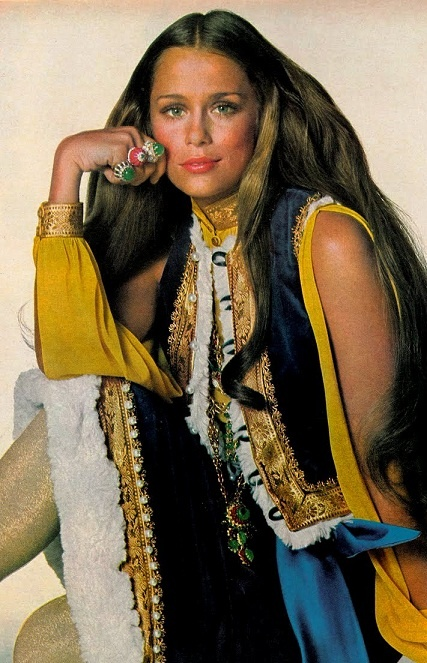 Vogue US, July 1968. Lauren Hutton by Irving Penn.July 1968, Fashion Era, Sugarhighlovestoned Photos, 1960S, 1968 Laurenhutton, Vogue 1968, Irvingpenn, Sugarhighloveston Photos, 1960 S