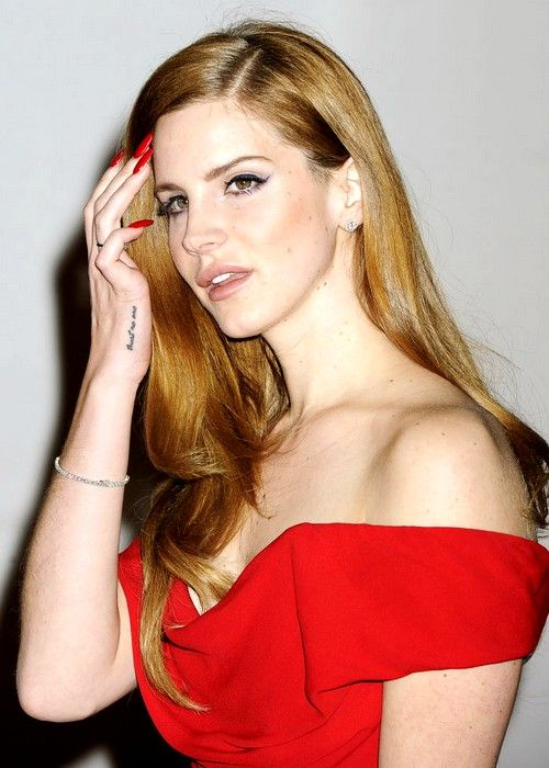 Lana Del Rey on Brit Awards. Find more beautiful pictures on: http://bit.ly/HUxklk