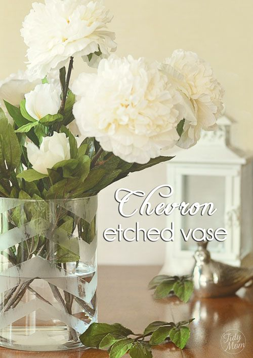 DIY Chevron Etched Glass Vase by @tidymom: Glasses Vase, Gifts Ideas, Etchings Vase, Tidymom Net, Diy Etchings, Diy Chevron, Etchings Glasses, Chevron Etchings, Chevron Stripes