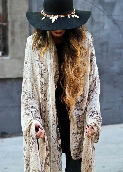 Plus de 1000 id es propos de porter et nouer un ch le - Differentes facons de porter un foulard ...