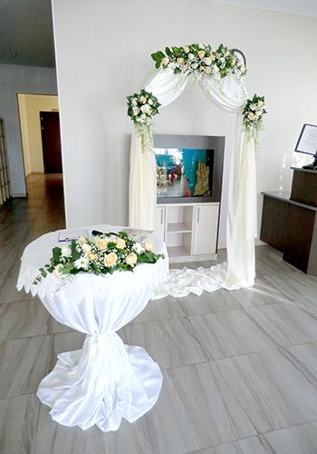 Оформление свадьб в Геленджике - выездная регистрация в цвете шампанского