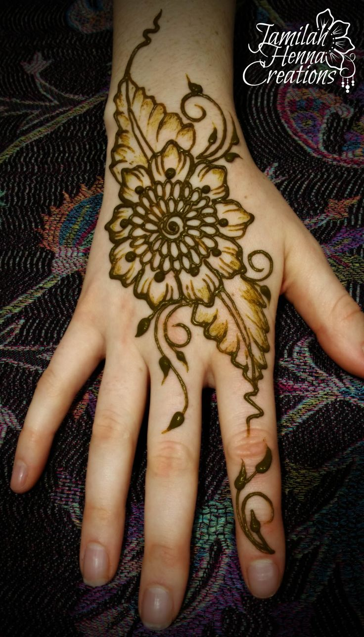 Babson College henna flower and leaves www.JamilahHennaCreations.com