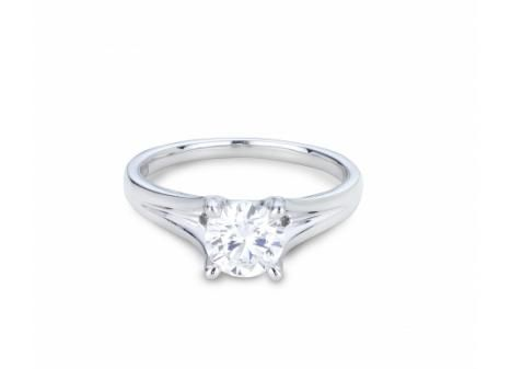 Mined in Northern Ontario this 18k Palladium & White Gold Canadian Victor Diamond 1.00ctw Solitaire Engagement Ring in VS quality is a true Canadian treasure.