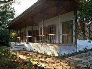 Nail Çakırhan'ın kendisi ve eşi için Akyaka'da tasarladığı, yapımı 1971'de biten konut projesi 1983 yılında Ağa Han Mimarlık Ödülü'ne layık görüldü.