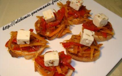 Recette - Toasts poivron rouge, carottes et feta | Notée 4.2/5