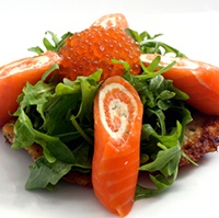 Best 25 salmon roulade ideas on pinterest gourmet food for Smoked salmon roulade canape