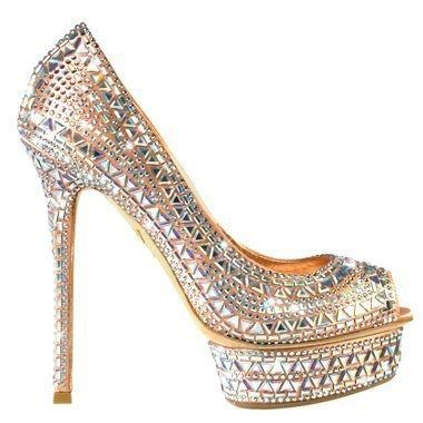 These sparkly pumps would look amazing with #Jovani style 78302 www.jovani.com/prom-dresses/jovani-78302-113134