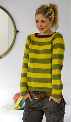 Like the shape of this sweater. Free pattern Maybe in a soft pink linen would be nice.