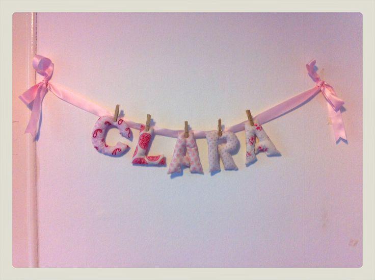 Guirnalda de letras de tela en tonos rosas nombre clara - Guirnaldas de tela ...