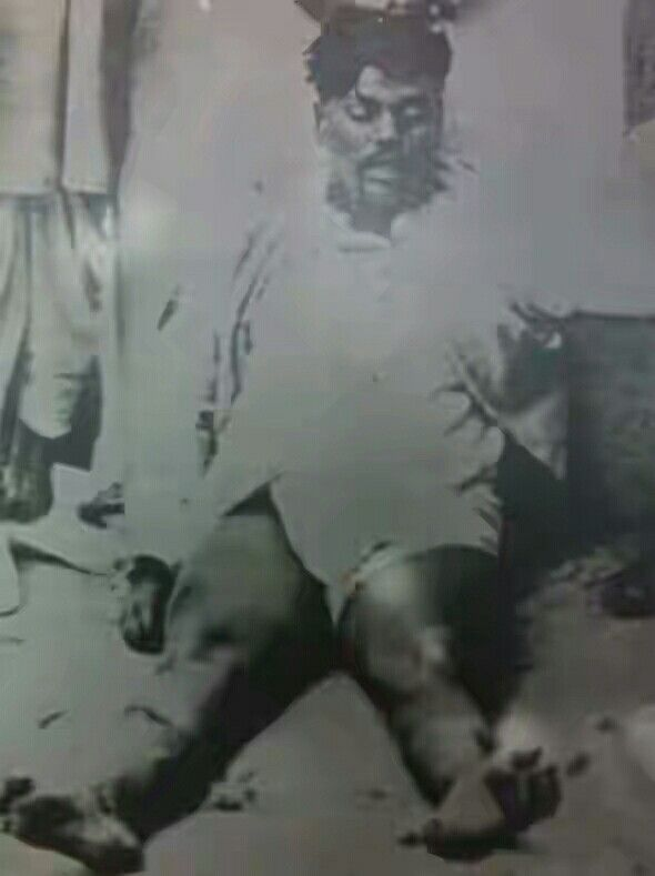 Chandra Shekhar Azad had vowed that he would never be arrested by the British police and kept his promise by using his last bullet to shoot himself in the head. He was Chandra Shekhar Azad, one of the most noteable Indian revolutionaries, who joined the revolution for the Indian independence when he was only 15 years old