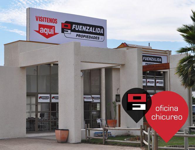 Oficina Chicureo.  Dirección: Av. Chicureo Km 1,7 Centro Comercial Las Terrazas Loc. 16 Fono: +56 2 2948 3383