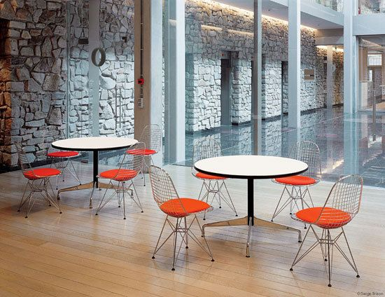 Chairs | Seating | Wire Chair DKR-5 | Vitra | Charles Eames-Ray. Check it out on Architonic
