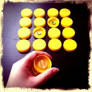 Knopf-Memory aus Flaschendeckeln