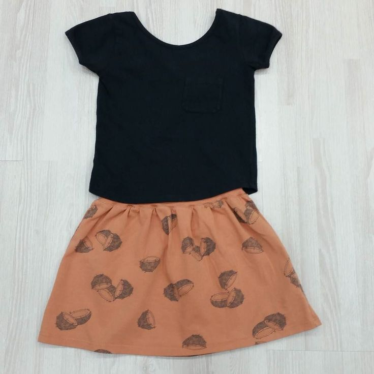 Un look muy bonito de @lotiekids es la falda estampado cocos en color melocotón y la camiseta bailarina en negro.  #nins #ninsmanresa #pictureoftheday #bestoftheday #cotton #madeinbarcelona #newcolours #lotiekids #modainfantil #moda #instadaily #photooftoday #photo #instalike #instagood #quality #newcollection #ss17