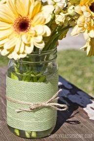 Easy DIY Washi Tape Mason Jar Vase. Fresh and springy!! #washitapejars #washitapedecor