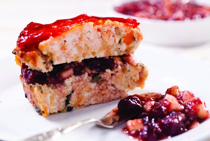 Brick-Shaped Turkey Meatloaf with Cranberry CharosetPesach Passover, Turkey Meatloaf, Cranberries Sauces, Cranberries Charoset, Bricks Shapped Turkey, Passover Recipe, Favorite Recipe, Bricks Shape, Kosher Recipe
