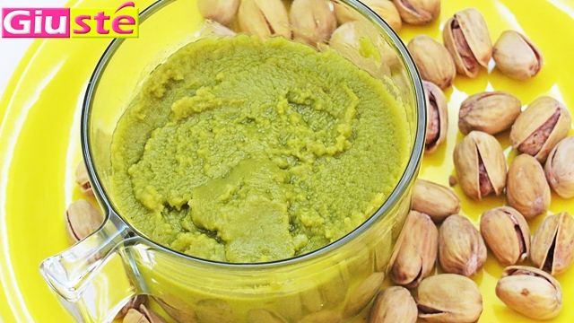 <p>Voici+comment+réaliser+directement+de+chez+vous+de+la +pâte+de+pistaches+parfaite+pour+préparer+des+gateaux,+des+biscuits+ou+bien+encore+des+crèmes+patissières+au+gout+de+pistaches.+–+130g+de+pistaches+–+40g+d'amandes+–+50ml+d'huile+de+tournesol+1+Porter+à+ébulition+environ+1/2l+d'eau,+verser+à+…</p>