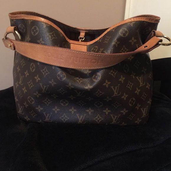 Vintage Louis Vuitton leather delightful PM hobo Slightly used vintage Louis Vuitton purse Louis Vuitton Bags Shoulder Bags