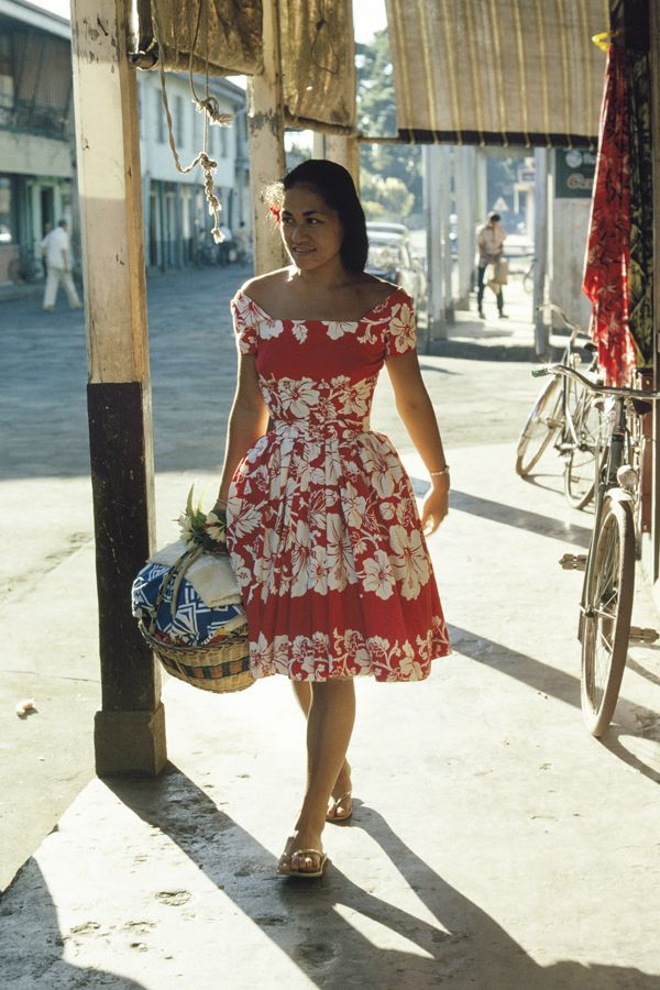24 Classic Street Style Shots You've Never Seen Before #refinery29  http://www.refinery29.com/vintage-street-style-pictures#slide-6  This is a street style photographer's dream: Bright dress, perfect lighting, and a clear path for strutting.